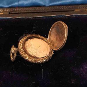 Antique, Georgian Gold cased hair Mourning locket, pendant,  C1840