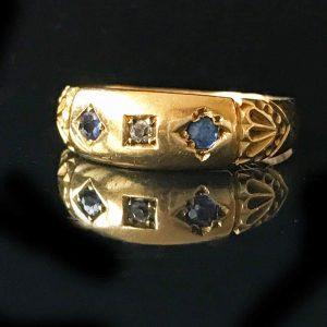 Antique, Victorian, 18ct, 18k, 750 Gold Sapphire & Diamond ring, circa 1880