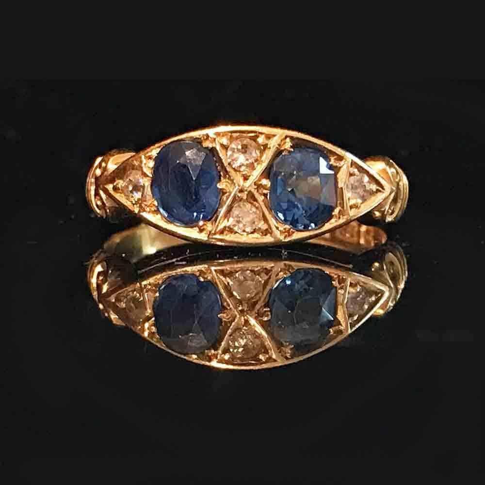 Art Deco, 18ct, 18k, 750 Gold 'Cornflower blue' Sapphire & Diamond ring, Chester
