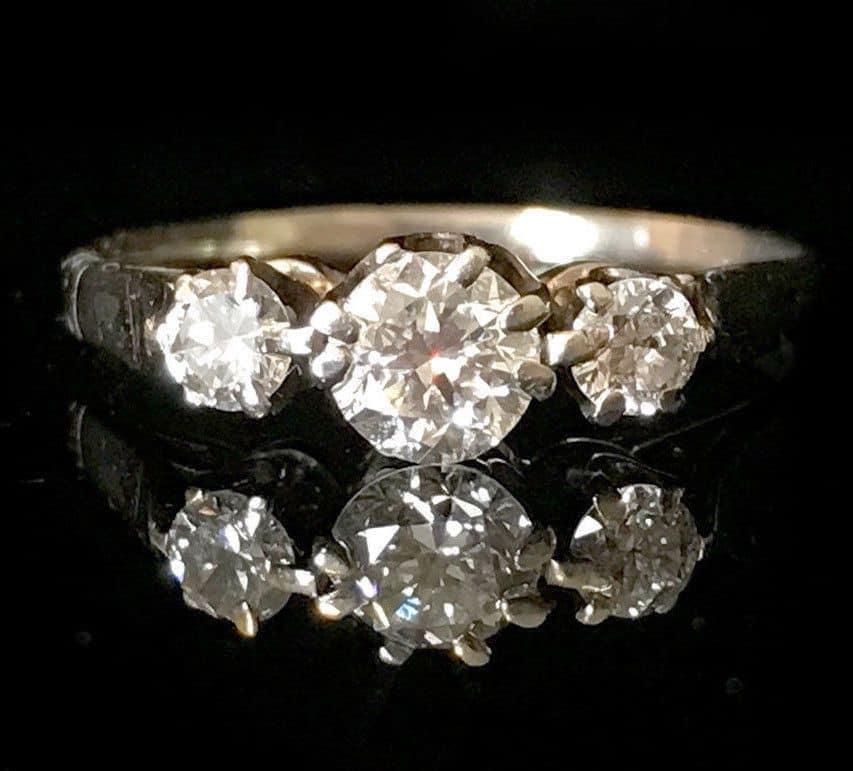 Art Deco, 18ct, 18k, 750 gold diamond 0.58ct three stone engagement ring, C1920