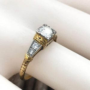 Art Deco, 18ct, 18k, 750 Gold & Plat Diamond 0.59ct Solitaire engagement ring