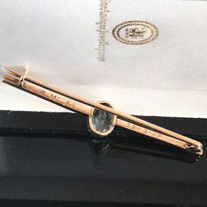 Art deco 9ct, 9k, 375 rose gold Aquamarine (1.25ct) bar brooch, Dated 1917