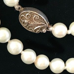 """Art Deco, Cultured Saltwater pearl necklace on silver clasp, lgth 16"""" / 41cm"""