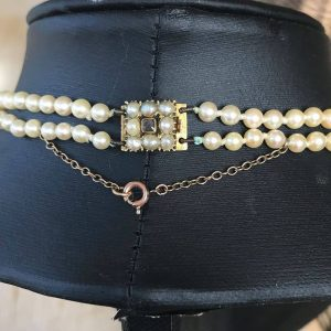 Art Deco, Saltwater Cultured pearl necklace on 18ct Gold Georgian locket clasp