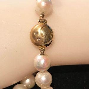 Cultured Saltwater Pearl 8.5mm bracelet on 18ct, 750 Gold Diamond clasp, Lg 20cm