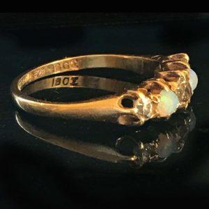Edwardian, 18ct, 18k, 750 Gold Opal & Diamond five stone ring, Circa 1901