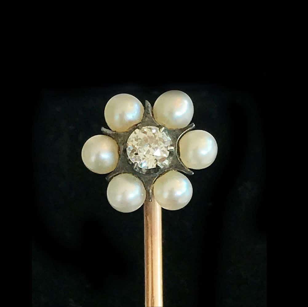 Edwardian 18ct, 18k, 750 Gold Pearl & Diamond stick, tie, cravat, Lapel pin