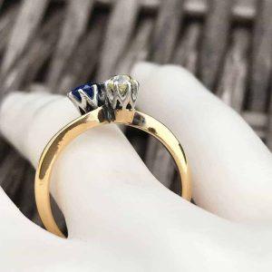 Edwardian, 18ct, 18k, 750 Gold & Plat Sapphire & diamond ring, C1910