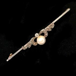 Exquisite, Edwardian 15ct, 15k, 625 Gold Diamond and pearl bar brooch Circa 1905