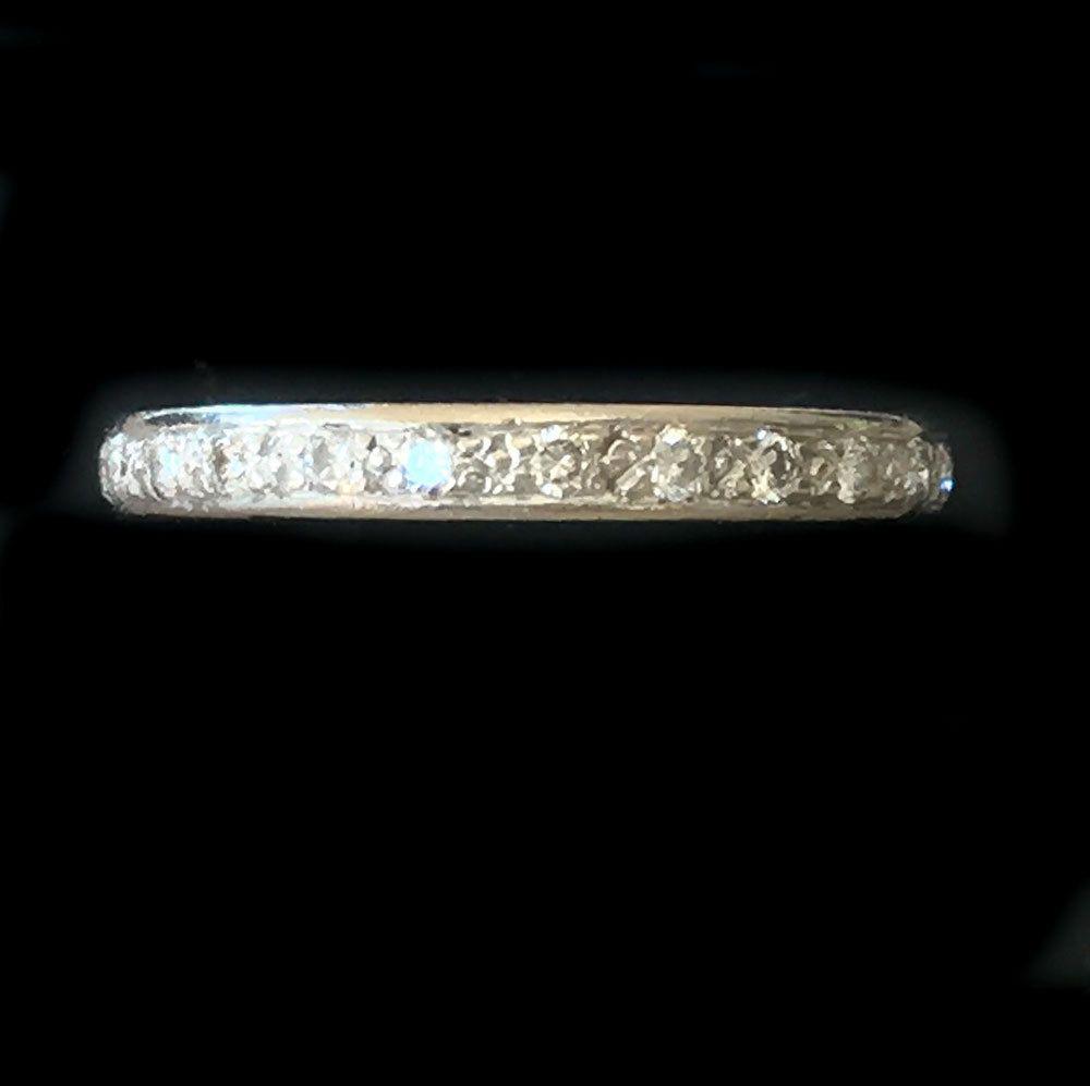 Fine Art Deco 18ct, 18k, 750 white gold Diamond full eternity ring, Size J