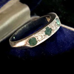 Fine Art Deco 18ct, 18k, 750 white gold Emerald & Diamond half eternity ring