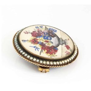 Georgian 9ct, 9k, 375 Gold Hand Painted Floral & Pearl brooch with 4 leaf clover