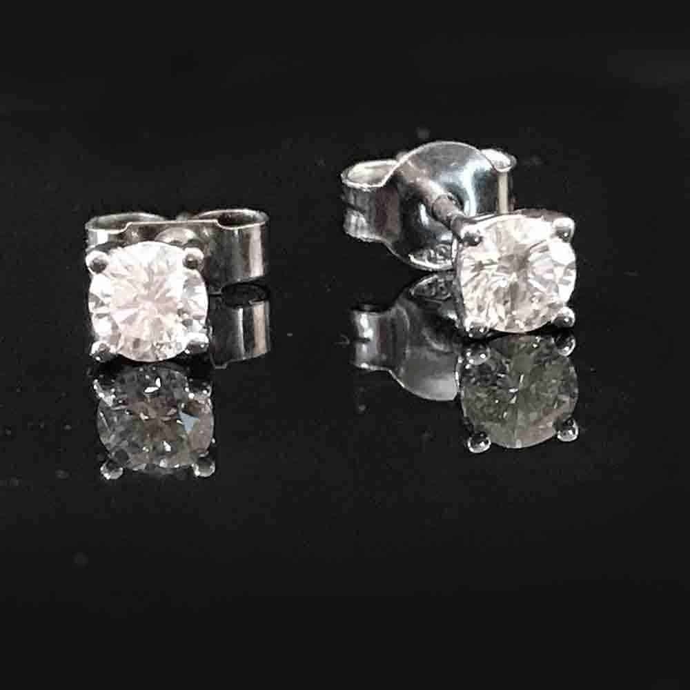 Pre-owned 18ct, 18k, 750 Gold Diamond 0.50ct Solitaire earrings