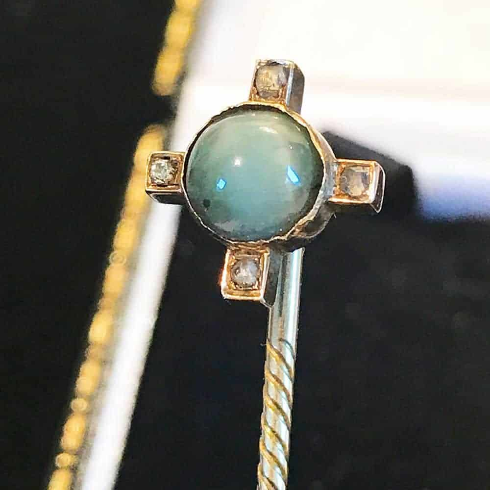 Rare, Georgian, Gold Diamond & Chrysoberyl stick, tie, cravat, lapel pin, c1830