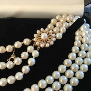 Stunning Three Row Cultured Saltwater Pearl Necklace on 9ct Gold Pearl Clasp