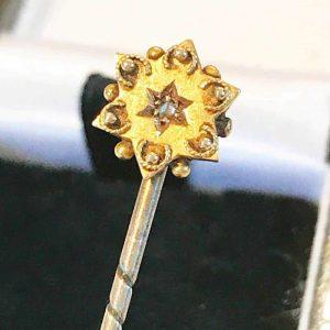 Victorian 15ct, 15k, 625 Gold Diamond Etruscan stick, tie, cravat pin.  C1895