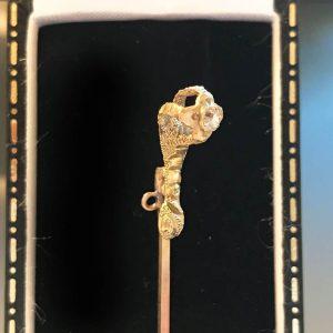 Victorian 18ct, 18k, 750 Gold mine-cut diamond claw stick, tie, cravat pin C1890