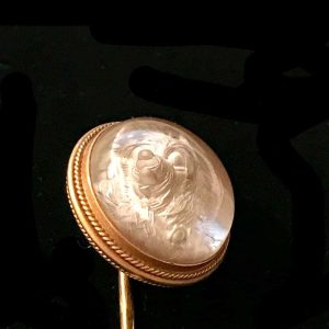 Victorian, 18ct, 750 Gold, Paris Reverse Intaglio Essex crystal dog stick pin