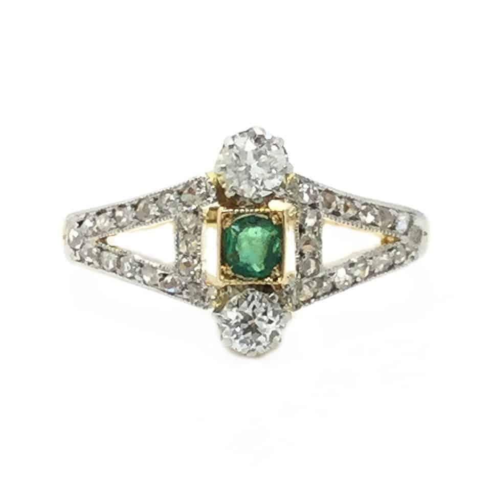Victorian 18ct Emerald & Diamond ring. Tiny ring size E 1/2 - (USA: 2.75)