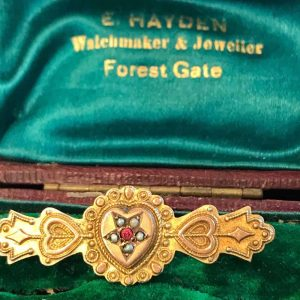 Victorian 9ct, 9k, 375 Gold Pearl & ruby paste mourning brooch in box Circa1890