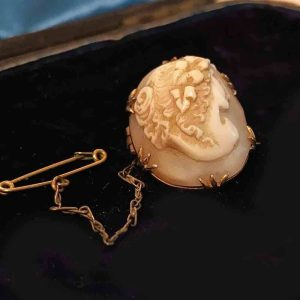 Victorian 9ct, 9k, 375 Rose Gold high relief Cameo brooch - inc UK VAT