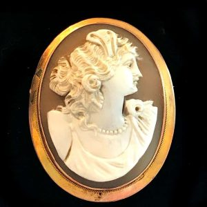 Victorian, 9ct Gold Classic, Cameo, high relief portrait brooch, pin C1860