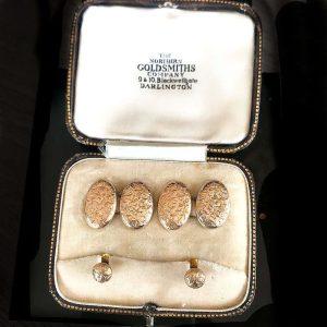 Victorian 9ct Rose Gold Ivy design cufflink & Stud boxed set, Maker JS Date:1900