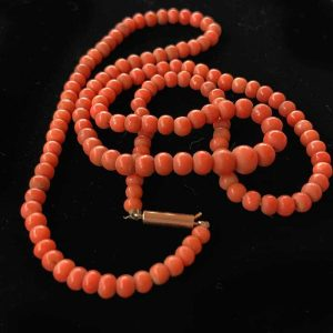 """Victorian natural red coral necklace on 9ct barrel clasp, length 21.5"""" / 55cm"""