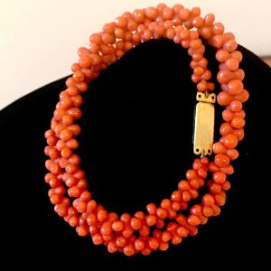 """Victorian red coral necklace with 18ct, 18k, 750 Gold Clasp, lgth 40.5cm /15.75"""""""