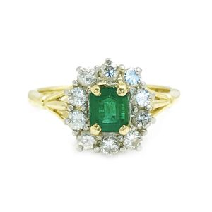 Vintage 18ct Gold Emerald & Diamond cluster ring