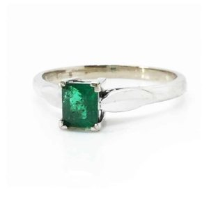 Vintage, 18ct White Gold Emerald 0.30ct Solitaire Ring