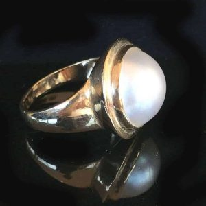 Vintage, Classic 9ct, 375 yellow Gold Mabe, Mobe blister pearl ring by maker O L