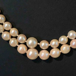 Vintage Cultured Pearl necklace (1940's) on Georgian 9ct Gold Pearl clasp, C1830