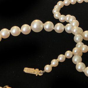 Vintage row of Cultured, Akoya, Saltwater graduated Pearls on 9ct filigree clasp