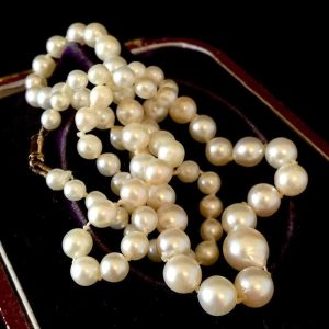 """Vintage, Saltwater Cultured Baroque Pearl necklace on 9ct Gold Barrel clasp 17"""""""