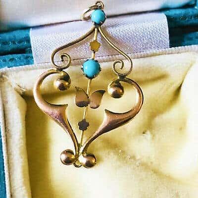 Pretty Art Nouveau 9ct, 9k, 375 Gold Turquoise lavaliere pendant, Circa 1905