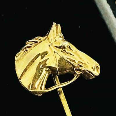 Fine, Edwardian 18ct, 18k, 750 Gold horse head, stick, tie, cravat, lapel pin