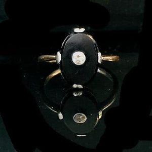 Art Deco, 14ct, 14k, 585 White Gold Black Onyx & Diamond ring, Circa 1920