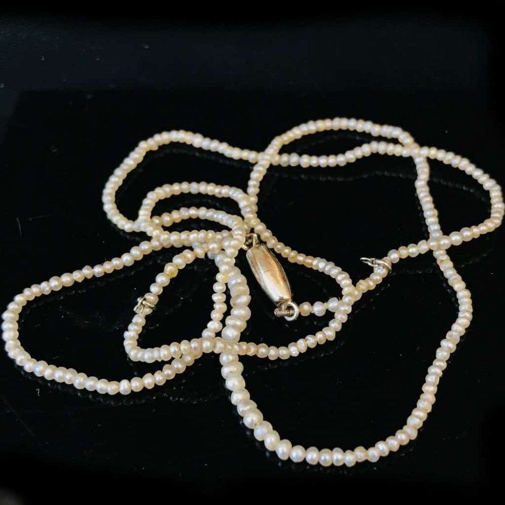 Exquisite Victorian natural, saltwater seed, basra pearls on 9ct barrel clasp