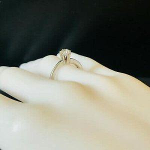 Beautiful 18ct, 18k, 750 White Gold Diamond 0.44ct VVS1 G/H solitaire ring