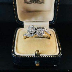 Fine, Art Deco, 18ct Gold Diamond 0.60ct romantic 'toi' et 'moi' engagement ring