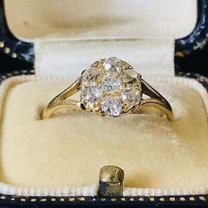 Gorgeous, Edwardian 18ct, 18k, 750 Gold, Diamond (0.70ct), daisy cluster ring