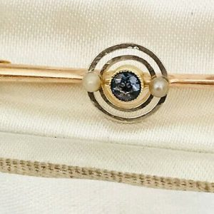 Pretty Edwardian 9ct, 9k, 375 Gold & Platinum Sapphire and Pearl target brooch
