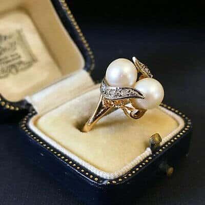 "Fabulous, 18ct, 18k, 750 Gold Saltwater Pearl & Diamond 'toi et moi"" ring"