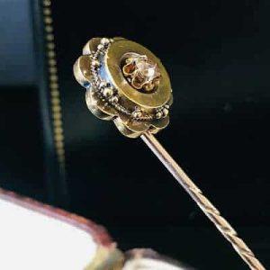 Victorian 15ct, 15k, 625 Gold old-cut Diamond, etruscan stick, tie, cravat pin