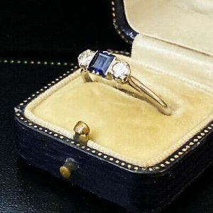 Fine, Art Deco Platinum Sapphire & diamond 3 stone engagement ring, Circa 1935