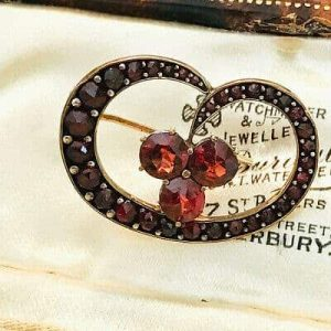 Fine, Victorian 15ct, 15k, 625 Gold Bohemian Garnet heart, floral brooch, C1880