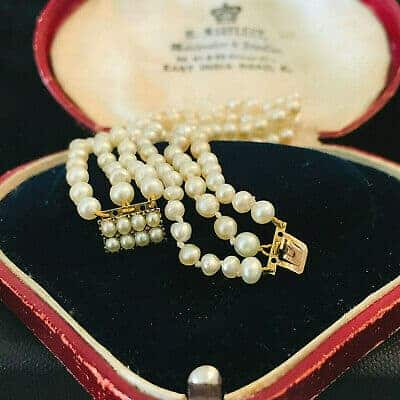 Georgian, 15ct Gold pearl clasp with 3 rows of Baroque Saltwater pearl bracelet