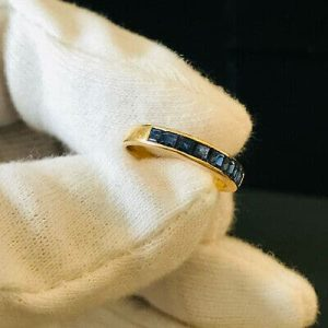 Fine 18ct, 18k, 750 gold calibre-cut Sapphire, half eternity, anniversary ring