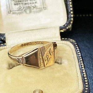 Vintage 9ct, 9k, 375 Signet ring, hallmarked Birmingham 1959, Maker L.W & Co